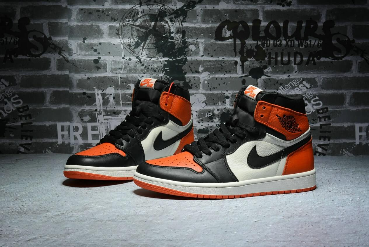 "Air Jordan 1 OG ""Shattered Backboard"" 555088-005"
