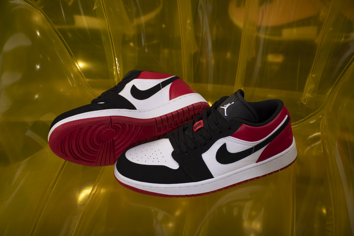 Air Jordan 1 Low 'Black Toe' 553558 -116