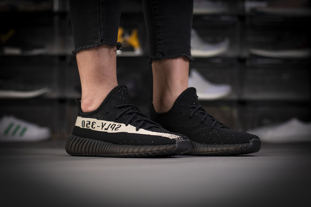 first rate 84cb0 df23c Adidas Yeezy Boost 350 V2 Core Black White Real Boost BY1604