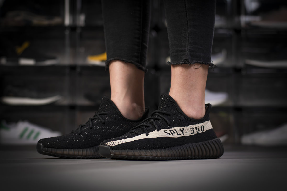 Adidas Yeezy Boost 350 V2 Core Black White BY1604
