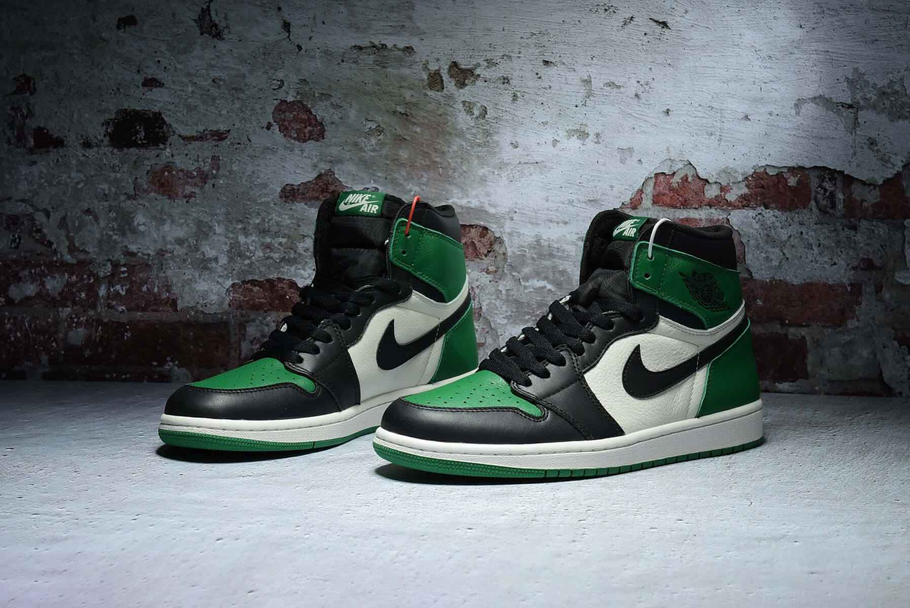 "Air Jordan 1 Retro High OG""Pine Green"
